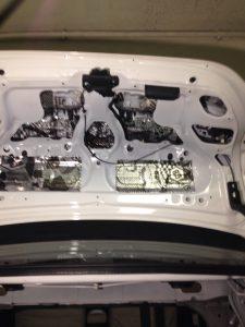 Шумоизоляция и виброизоляция капота и багажника Toyota Corolla