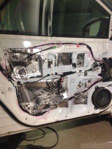 Виброизоляция и Шумоизоляция Toyota Corolla