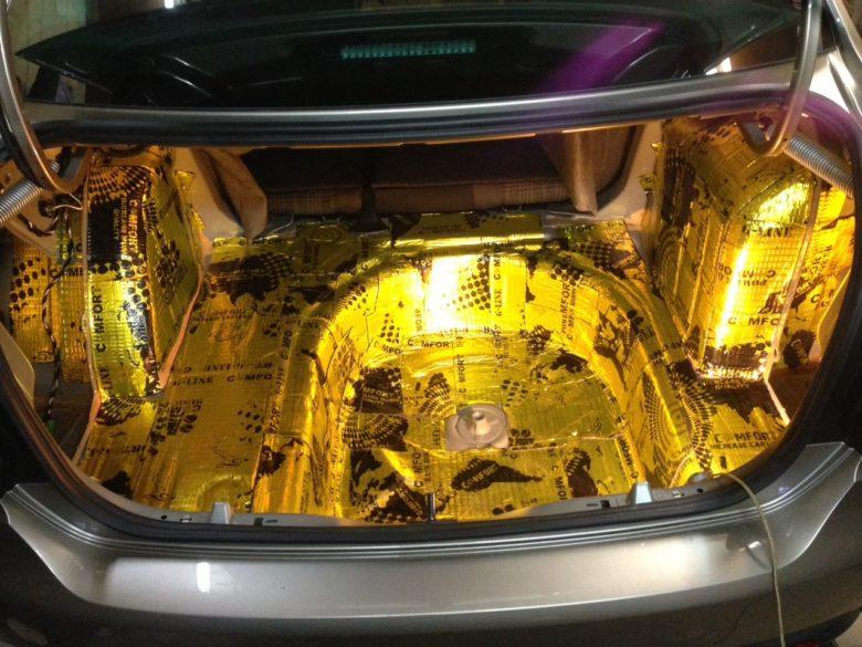 Шумоизоляция установка динамиков VW Polo