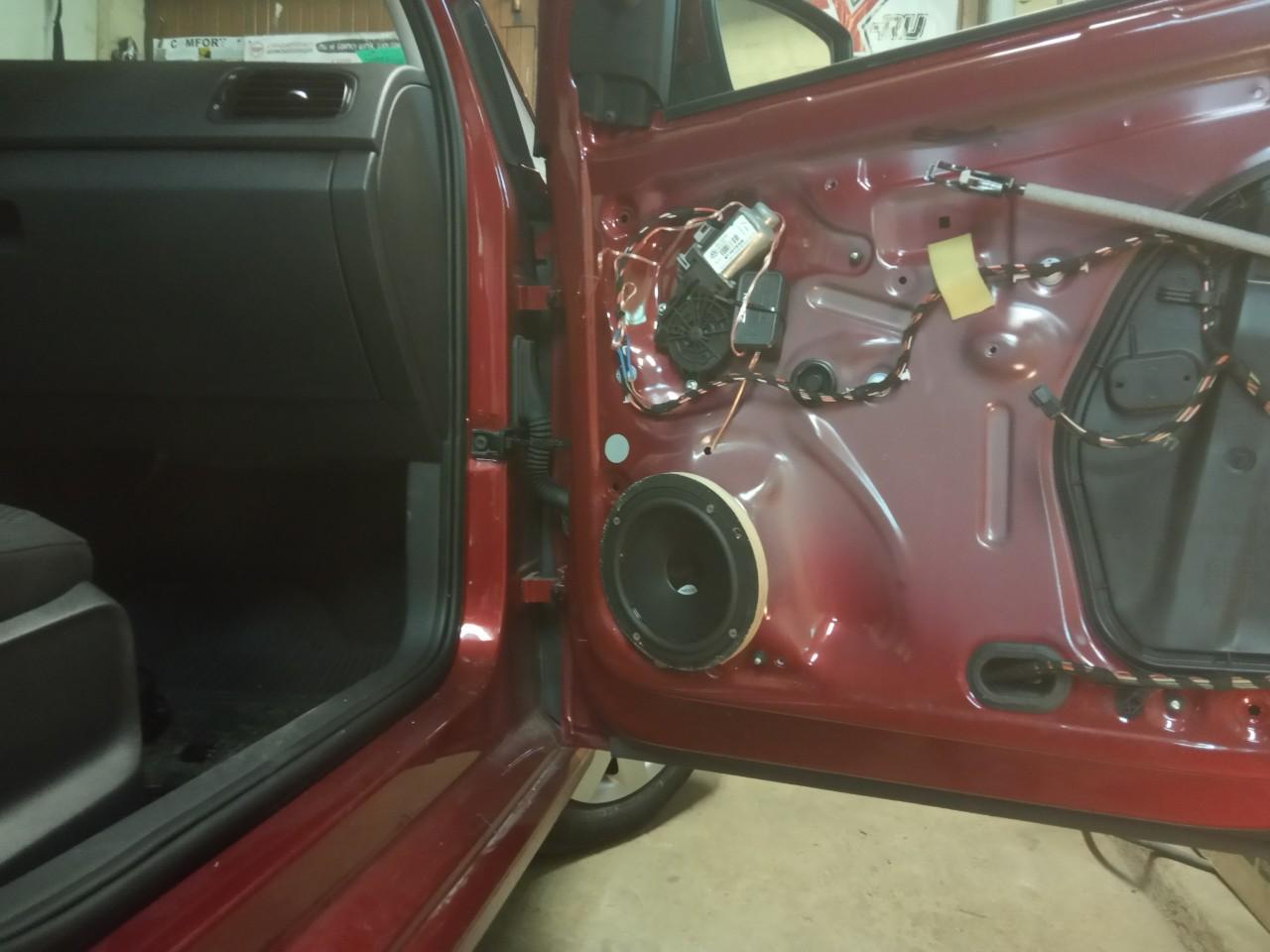Установка динамиков в авто