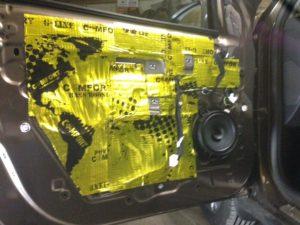 Шумоизоляция двери Renault