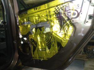 Шумоизоляция двери Renault stepway