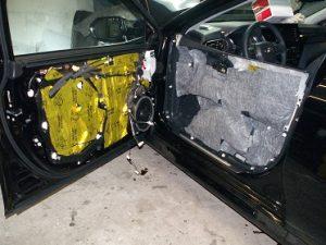 шумоизоляция двери автомобиля